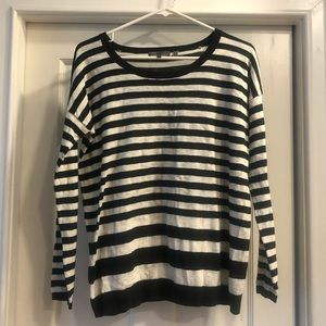 Vince light pullover sweater- Sz small